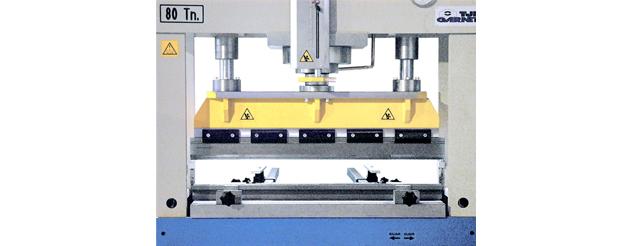 1020 mm long folding tools set (optional)