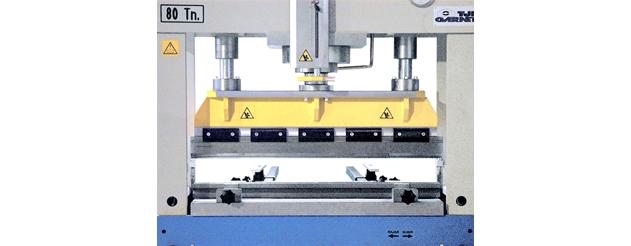 Abkantwerkzeug mit einer Länge von 1.020 mm