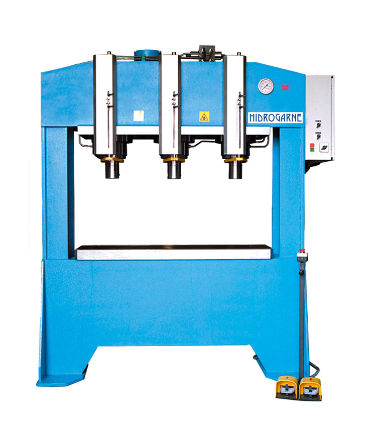 Motorized hydraulic presses with double stanchions and fixed bed type: F series FDM