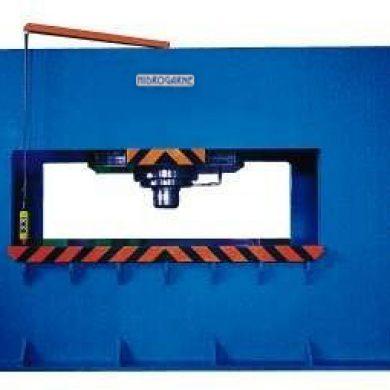 Prensa hidrúalica especial LRD-500 E para la construcción de barcos