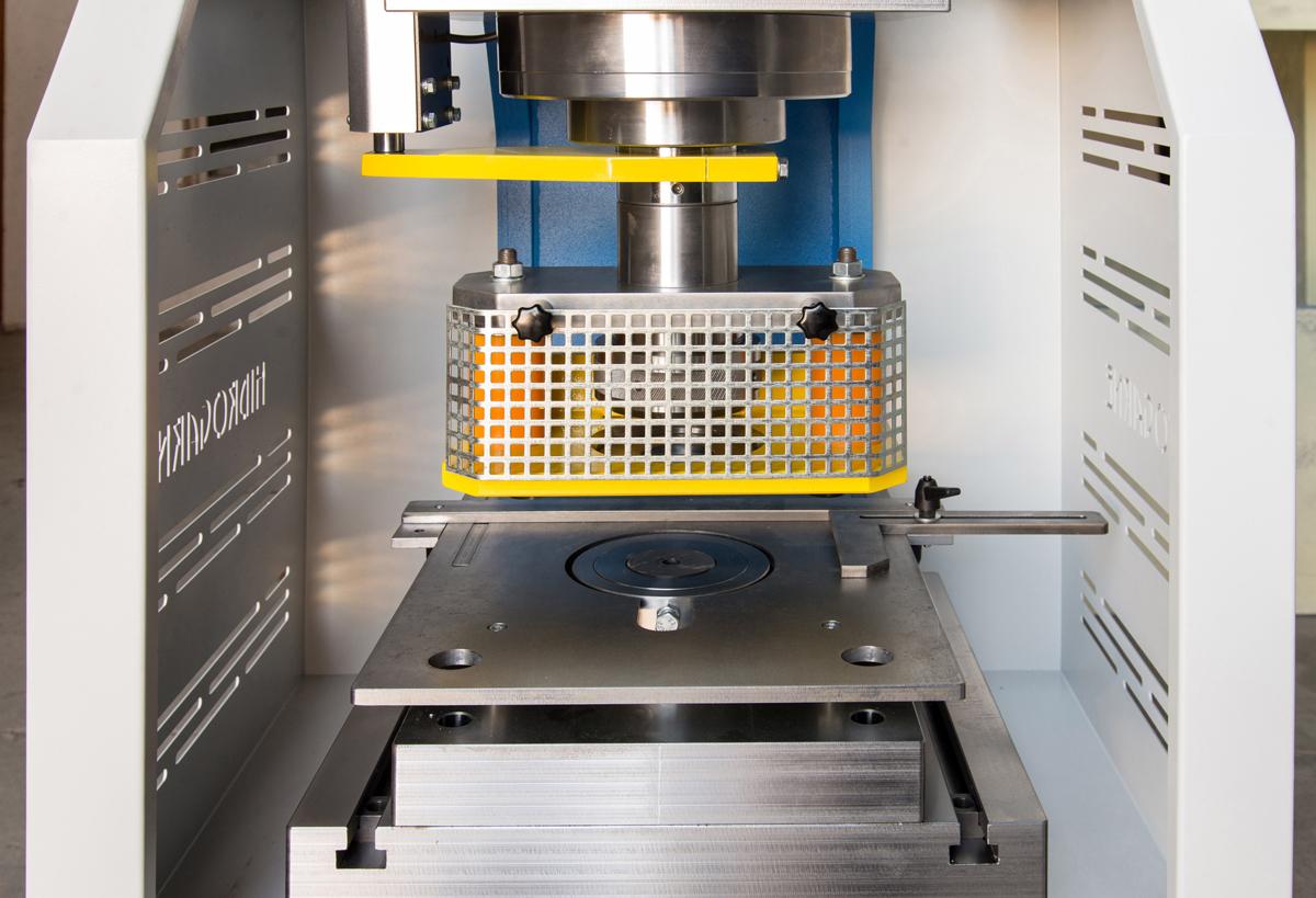 Equipo de punzonado para diametros de 6 mm hasta 100 mm (Prensa hidráulica HIDROGARNE CD-80 estándar)