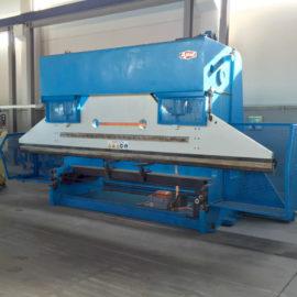 Plegadora hidráulica convencional AJIAL con CNC, revisada y de ocasión