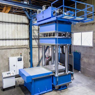 Fabricación personalizada de una prensa hidráulica de 4 columnas para vulcanizado de alto rendimiento