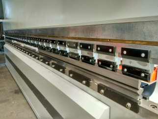 Plegadora sincro-electrónica GARNET semi-nueva