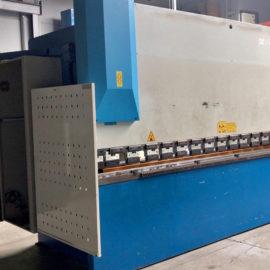 Plegadora hidráulica GARNET sincro-electrónica 5 ejes CNC