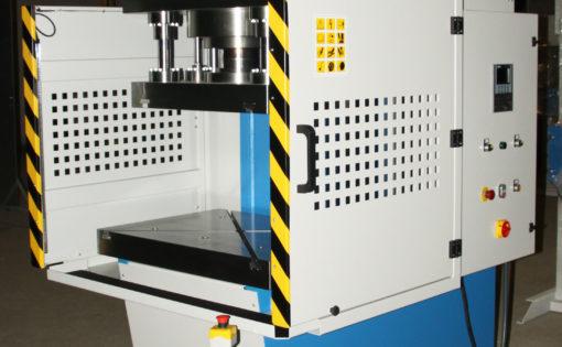 Prensa hidráulica HIDROGARNE de cuello cisne de alta producción