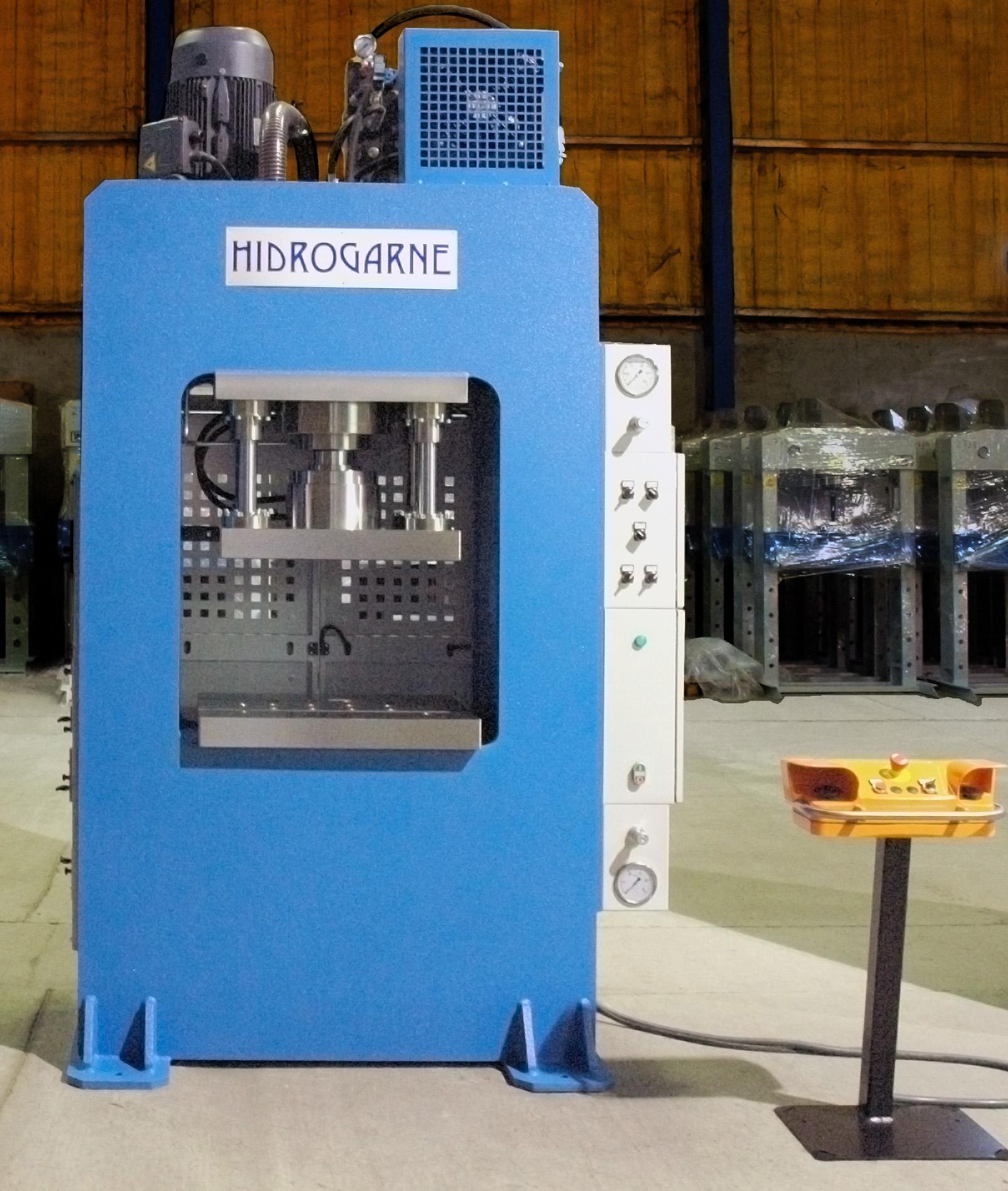 Prensa hidráulica especial motorizada de arco rígido para trabajos de embutición