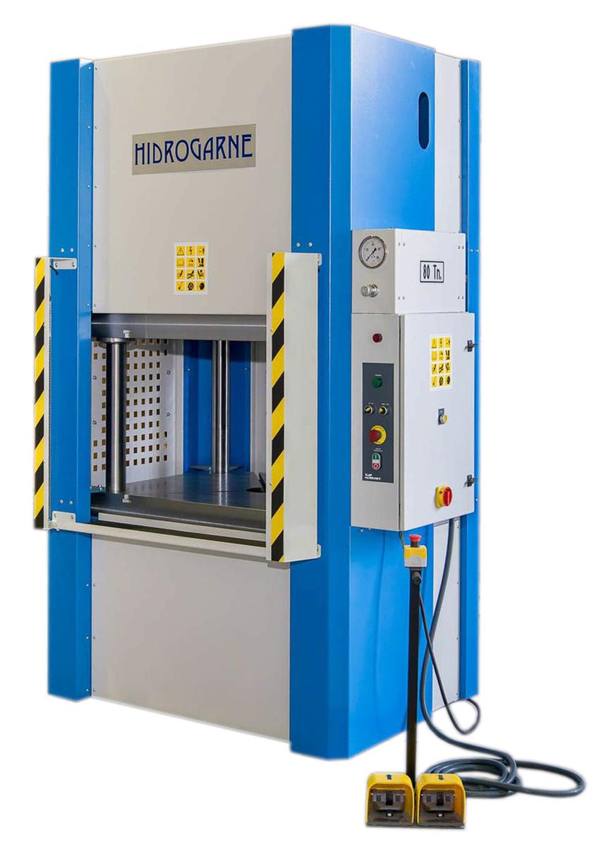 4-cylindrical-column motorized hydraulic presses: M series
