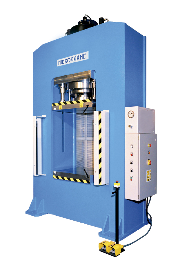 Motorized hydraulic presses with a solid-arch monoblock: R series - RM-300 standard