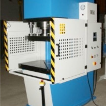 Special hydraulic press with C-frame for cold stamping