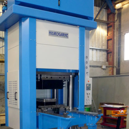 Prensa hidráulica especial motorizada de cuatro columnas para embutición en alto rendimiento