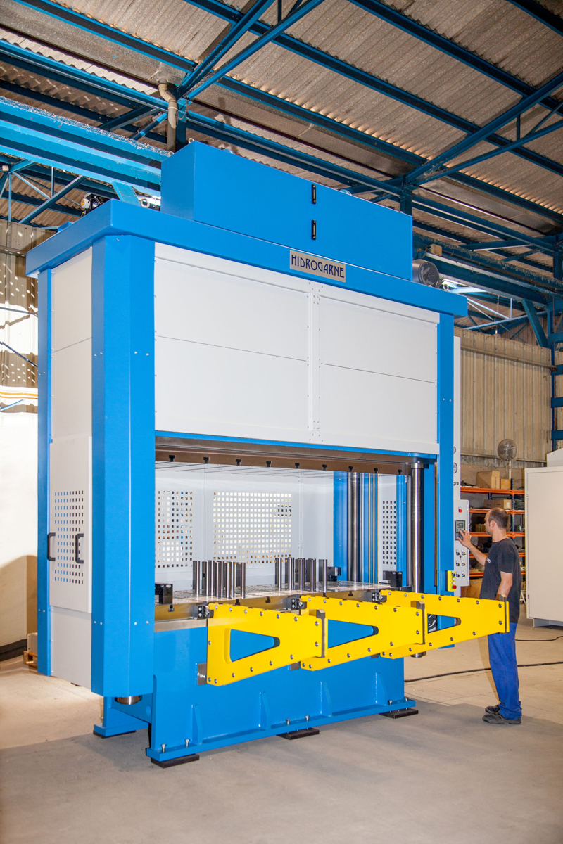 Special 4-cylindrical-column motorized hydraulic press to perform work involving deep-drawing MV-250 E model