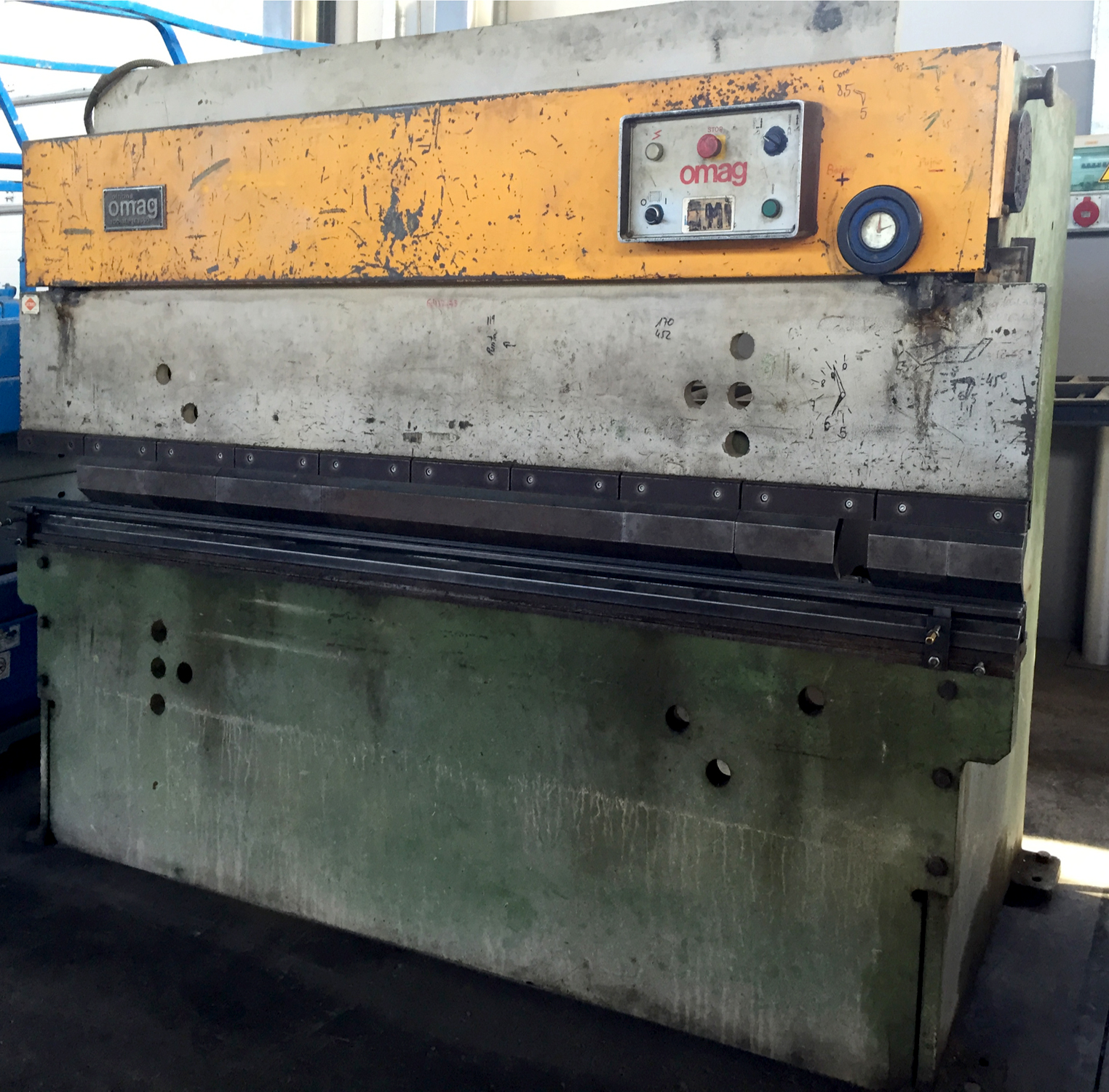 Used and revised conventional hydraulic press brake OMAG