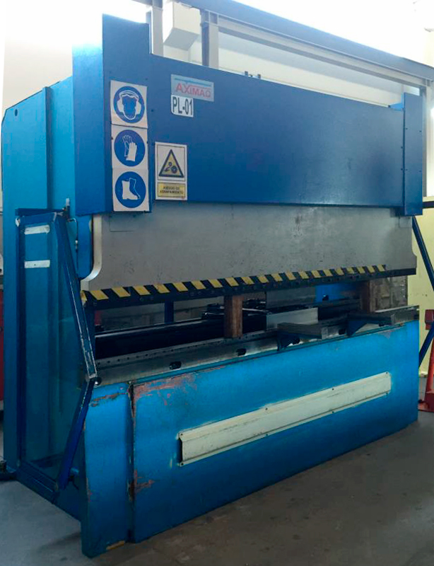 Revised electronic syncronized press brake AXIAL with 7 axes CNC