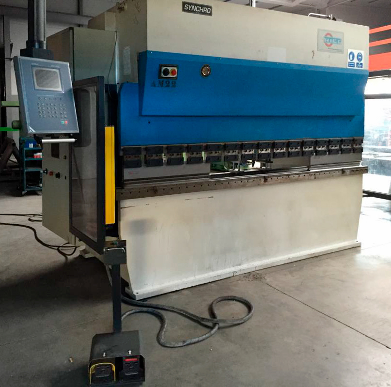 Revised electronic syncronized press brake RICO with 3 axes CNC