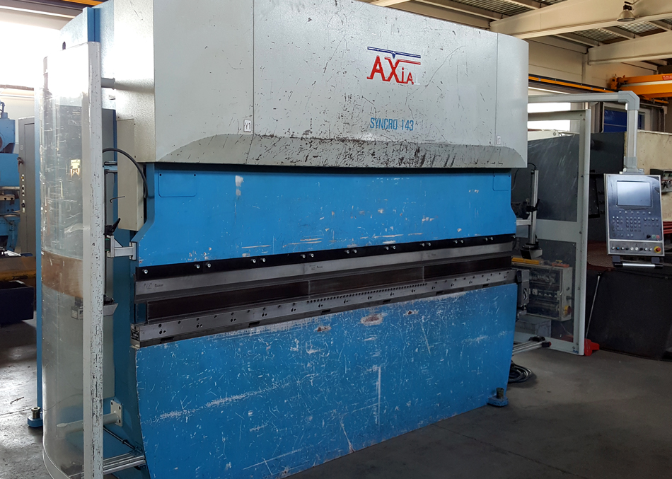 Syncro-electronic press brake AXIAL - 5 axes CNC