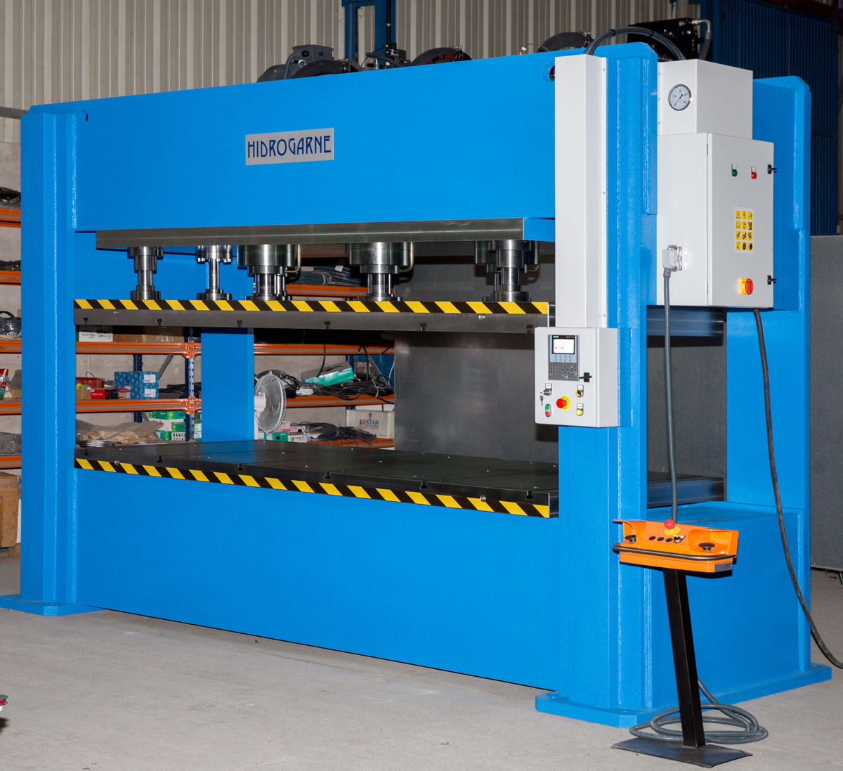 Hydraulic press, FDV-330 E model, especially efficient in forming and die-cutting works