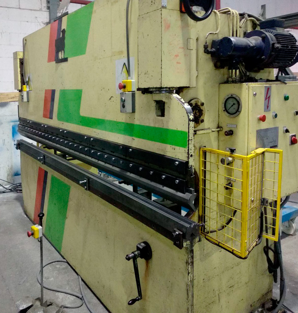 Plegadora hidráulica convencional LOIRE-SAFE de ocasión