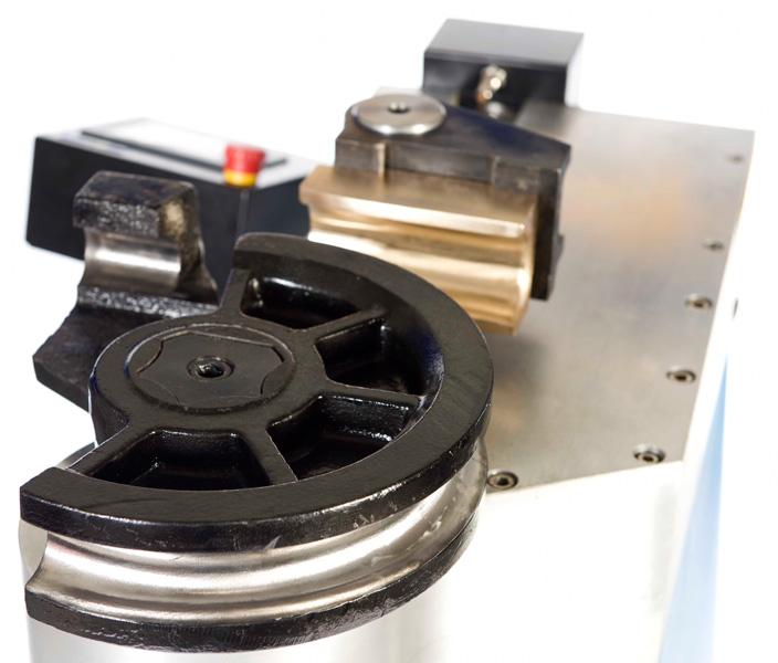 Curvadoras de radio fijo hasta 76mm de diámetro · QB76-NC